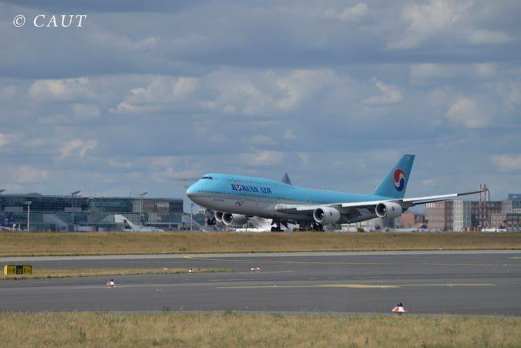 Boeing 747-8 de Korean Air aterrizando en Frankfurt.