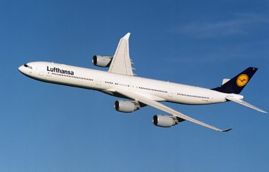 Airbus A340-600 de Lufthansa en vuelo.