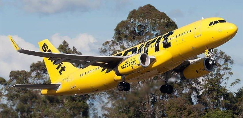 Airbus A320 de Spirit despegando de Rionegro.