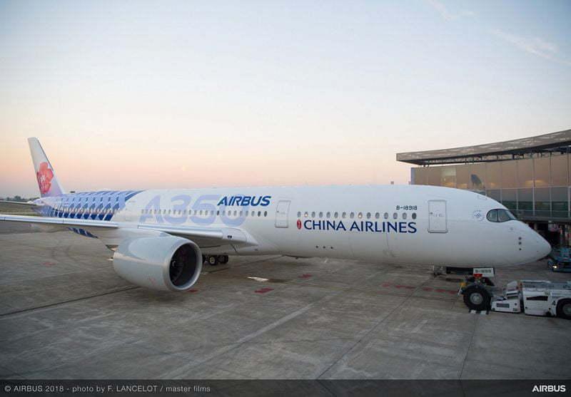 Airbus A350-900 de China Airlines con livery de fibra de carbono.