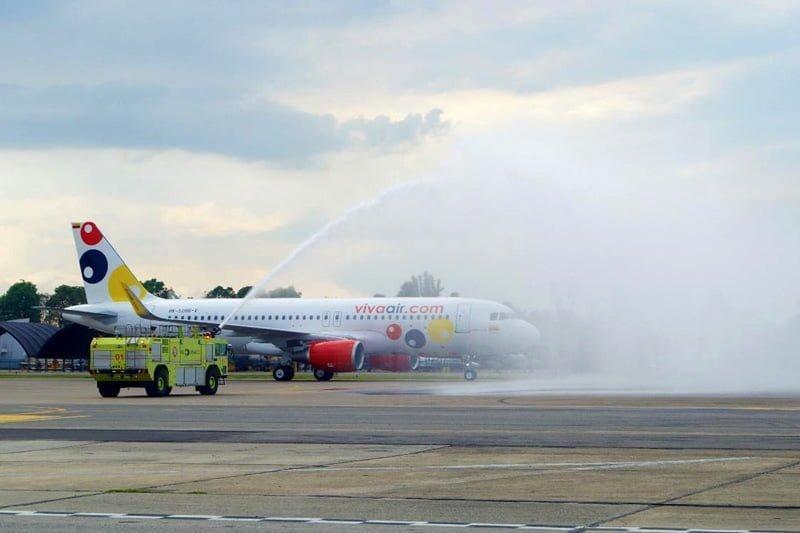 Bautizo del primer Airbus A320 de Viva Air (de fábrica), en Bogotá.