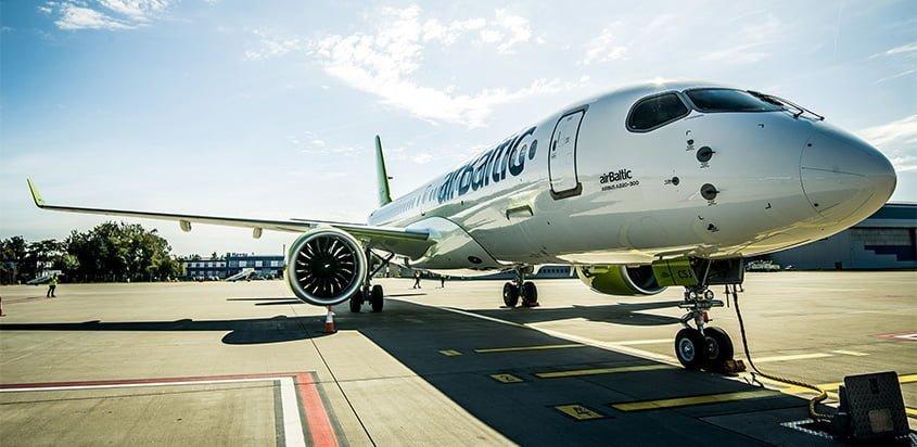 Airbus A220-300 en su gira mundial de demostración.