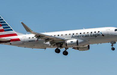 Embraer E175 de American Airlines aterrizando en Miami.