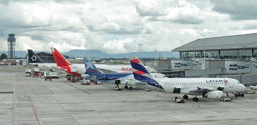 Flota de Avianca y LATAM en el Aeropuerto Eldorado de Bogotá.