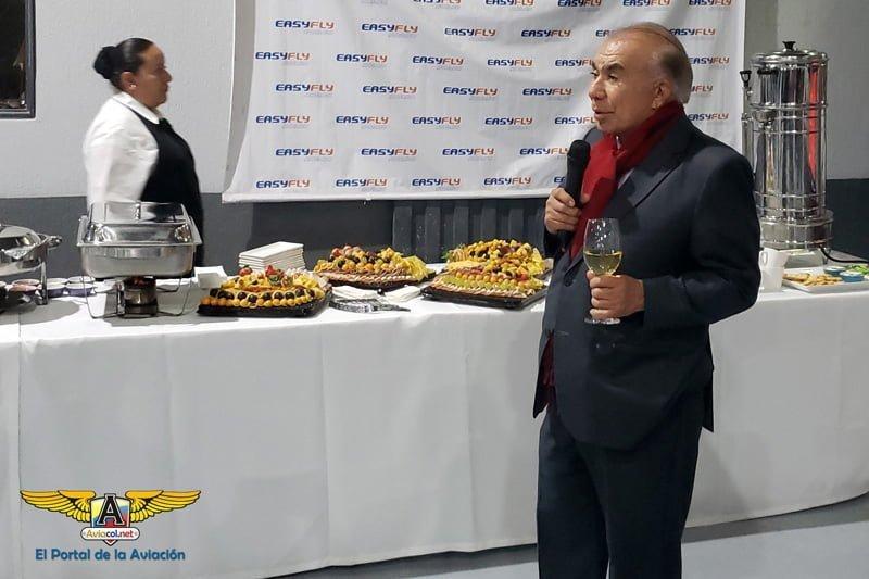 Alfonso Ávila, Presidente de EasyFly, hace el brindis de bienvenida al ATR 72-600.