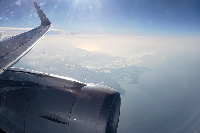 A319 de American Airlines saliendo de la costa de Colombia rumbo a Miami desde Pereira.
