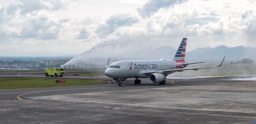 Bienvenida al Airbus A319 de American Airlines en su primer vuelo de Miami a Pereira.