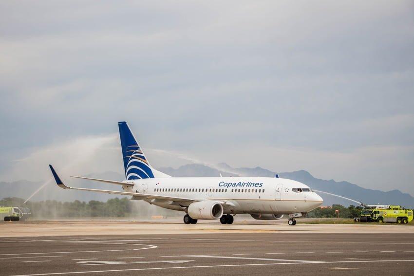 Bautizo al Boeing 737  de Copa Airlines en su llegada a Puerto Vayarta.