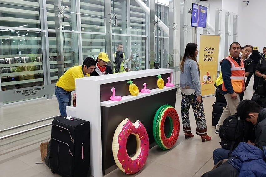 Vuelo Santa Marta-Miami - Sala de espera Aeropuerto Simón Bolívar de Santa Marta.