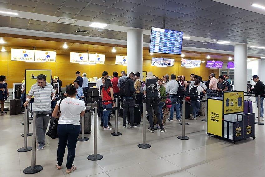 Vuelo Santa Marta-Miami - Área de check in en el Aeropuerto Simón Bolívar.