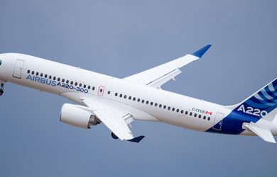 Primer vuelo del Airbus A220-300.
