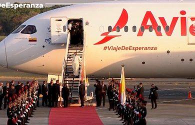 Boeing 787 de Avianca que transportó al Papa Francisco de Panamá a Roma.
