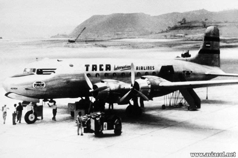 Douglas DC-4 de TACA.
