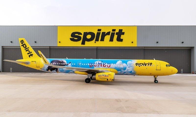 Spirit Airlines Airbus A321 Dumbo en el hangar de la aerolínea en Detroit.