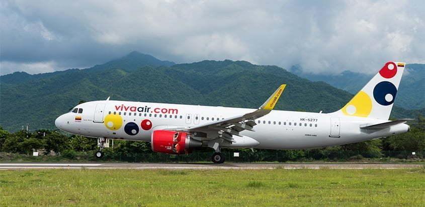 Airbus A320 de Viva Air aterrizando en Santa Marta.