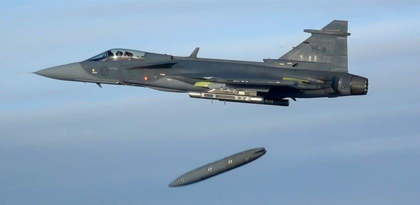 Saab Gripen E en vuelo.