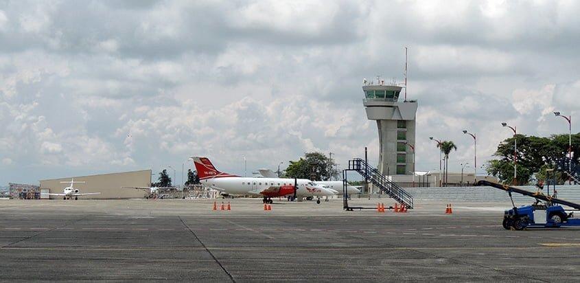 Vista de la plataforma del Aeropuerto Matecaña de Pereira.