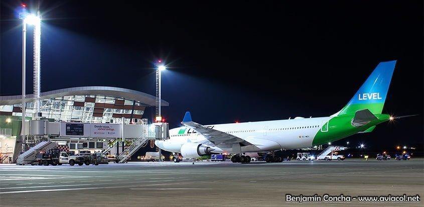 Airbus A330-200 de Level en el vuelo inaugural a Santiago de Chile.