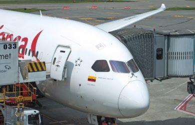 Boeing 787-8 de Avianca en gate.