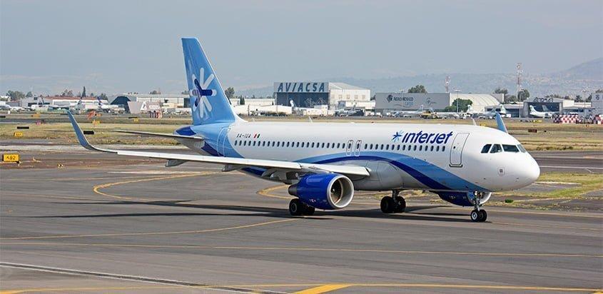 Airbus A320 de Interjet en rodaje.