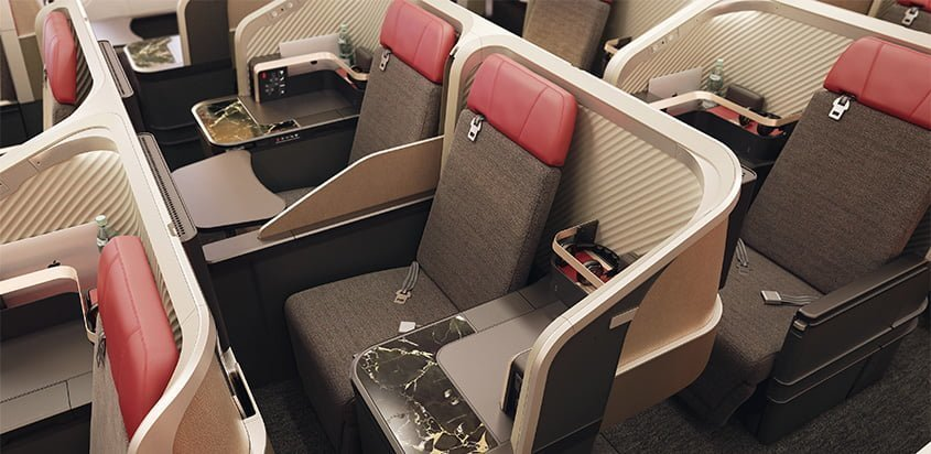 Boeing 767 de LATAM Airlines con los nuevos interiores de cabina.