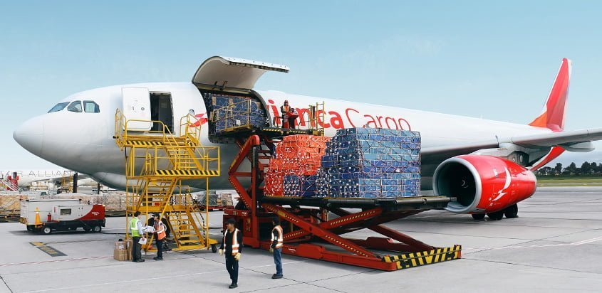 Airbus A330F de Avianca Cargo transportando flores.