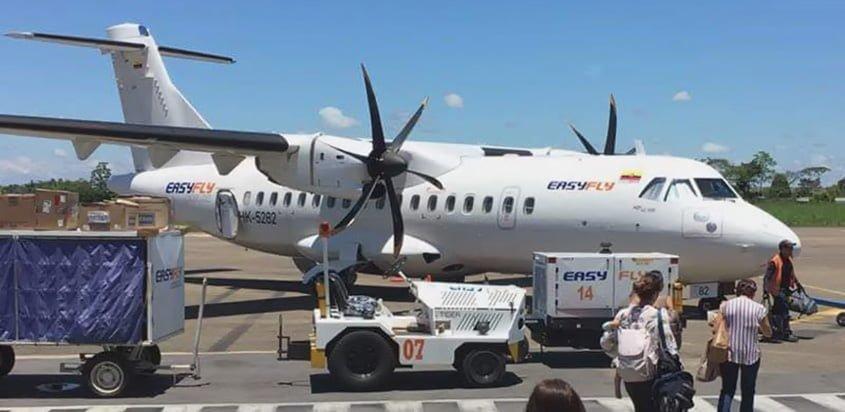 ATR 42 de EasyFly en la plataforma del Aeropuerto Vanguardia de Villavicencio.