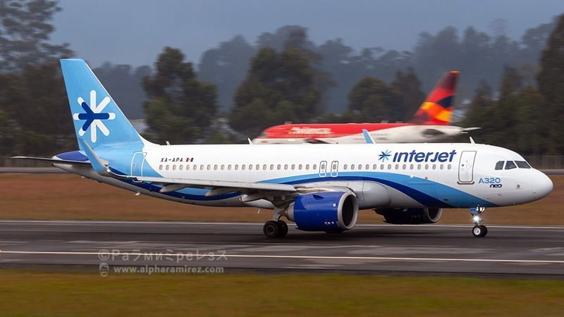 Airbus A320 de InterJet llegando en su vuelo inaugural a Medellín.