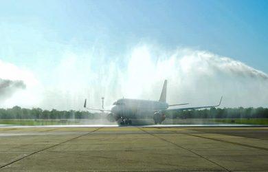 Bautizo al primer vuelo de Viva Air entre Bogotá y Barranquilla.
