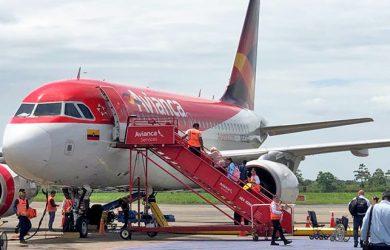 Airbus A318 de Avianca en el Aeropuerto Vanguardia de Villavicencio.