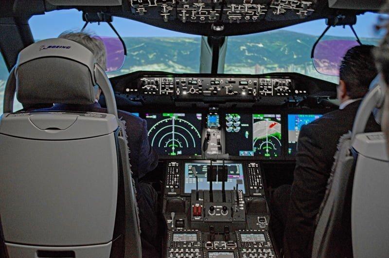 Simulador de Boeing 787 de Avianca y CAE en Bogotá.