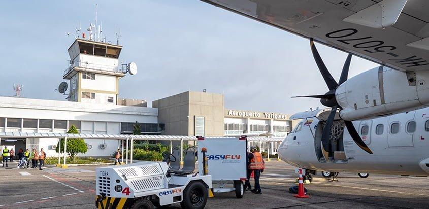 ATR 42 de EasyFly en el Aeropuerto Yariguíes de Barrancabermeja.
