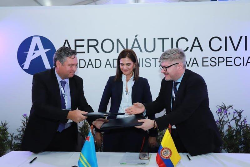 Firma del acuerdo entre Colombia y Aruba.