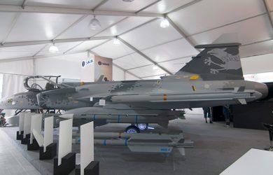 Modelo a escala real del Gripen de Saab en F-AIR 2017.