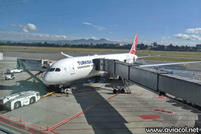 Boeing 787-9 de Turkish Airlines en su primer vuelo a Bogotá.
