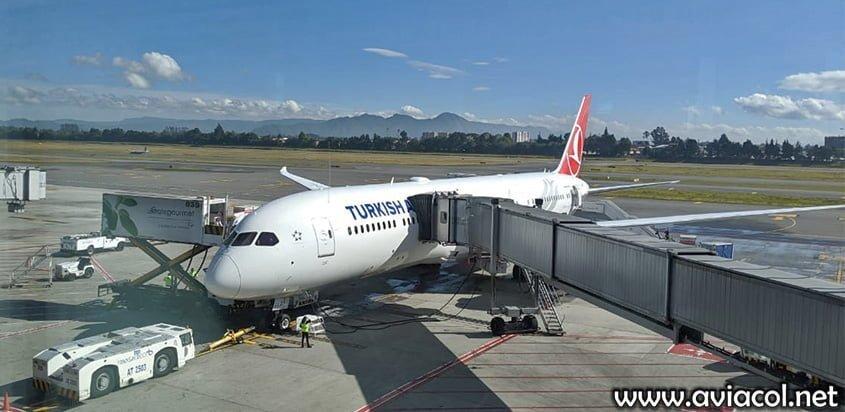 Boeing 787-9 de Turkish Airlines en el Aeropuerto Eldorado de Bogotá.