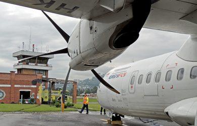 ATR 42-500 de EasyFly en el Aeropuerto La Nubia de Manizales.