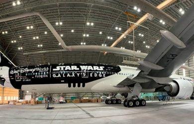 Boeing 777-300ER de LATAM Airlines con livery de Star Wars Galaxy's Edges