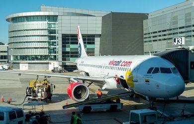 Airbus A320 de Viva Air en el Aeropuerto Internacional de Miami.