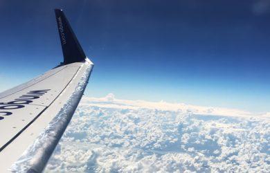Boeing 737-700 de Wingo en vuelo.