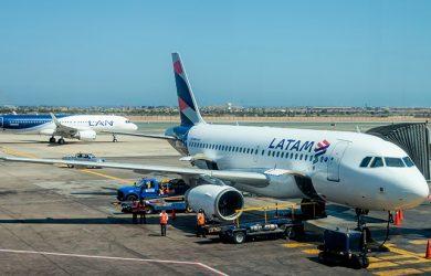 Airbus A319 y A320 de LATAM Airlines en Lima.