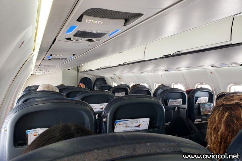 Cabina del ATR 42 de Satena en vuelo entre Bogotá y Aguachica.