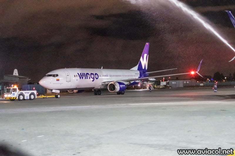 Boeing 737-800 de Wingo - Bautizo.