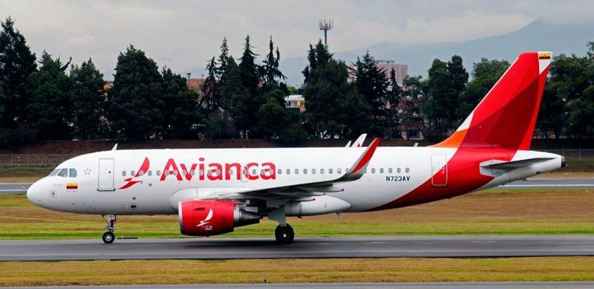 Airbus A319 de Avianca en rodaje en Bogotá.