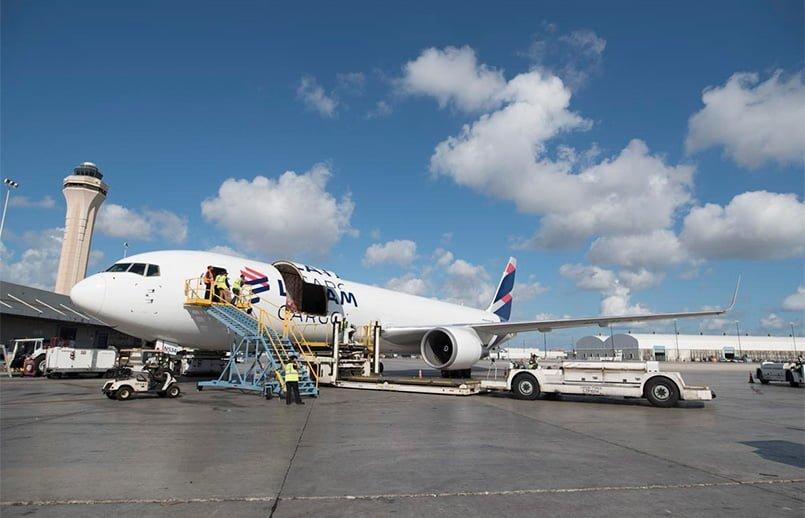Boeing 767-300F de LATAM Cargo en Miami.