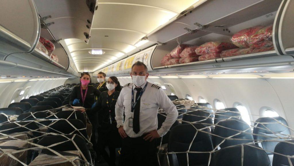Transporte carga humanitaria de Viva Air.