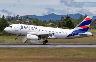 Aibus A319 de LATAM Airlines Colombia.