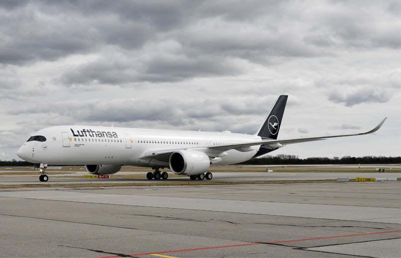 Airbus A350-900 de Lufthansa en rodaje.