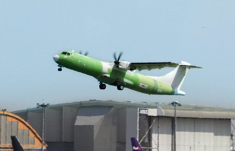 Primer vuelo del ATR 72-600F.