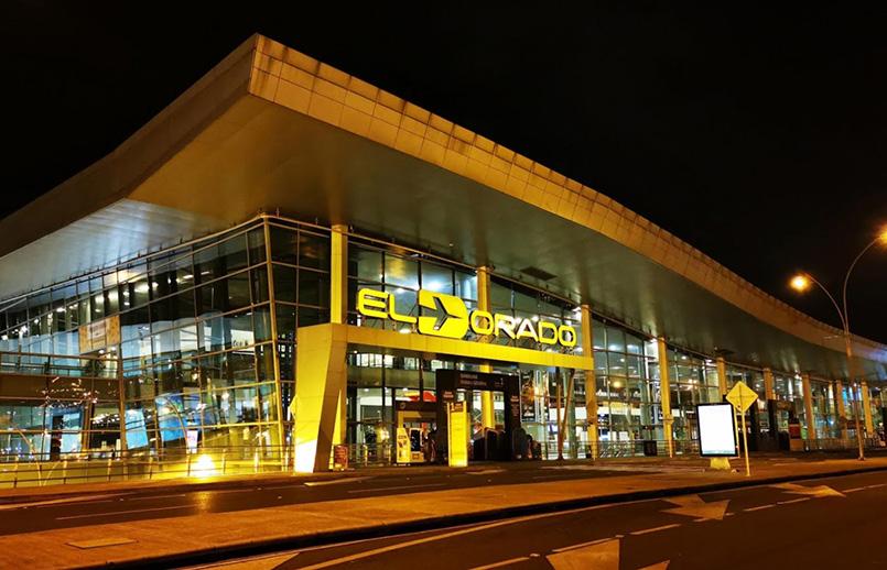 Fachada del Aeropuerto Internacional Eldorado de Bogotá.
